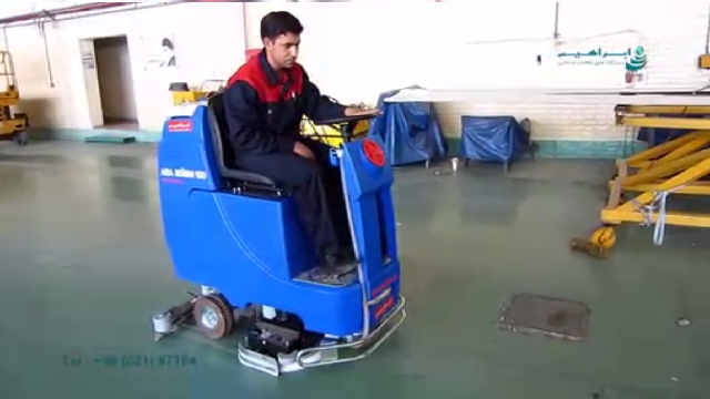 شستشوی حرفه ای سطوح پر گرد و خاک با اسکرابر سرنشین دار  - Professional cleaning dusty surfaces with ride on scrubber