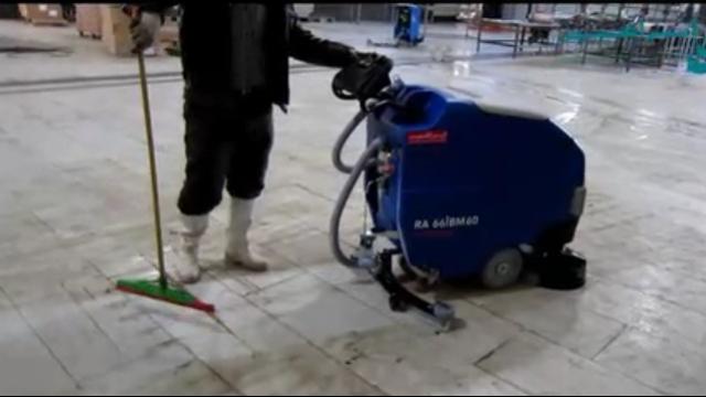 شستشوی موثر سطوح در صنایع غذایی با اسکرابر  - Effective washing of surfaces in the food industry with scrubbers