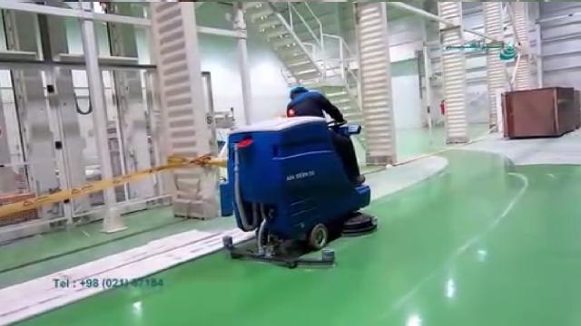 اسکرابر سرنشین دار با ظرفیت و پهنای نظافتی بالا  - ride on scrubber with high capacity and width
