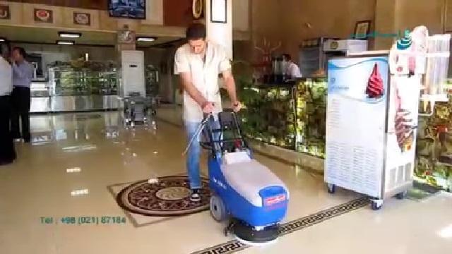 شستشوی سطوح کف شیرینی فروشی با اسکرابر  - Washing the surfaces of the sweets with scrubbers