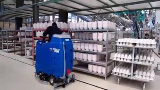 کفشوی ایمن در کارخانه چینی و سرامیک  - Safe shoes ceramic factory