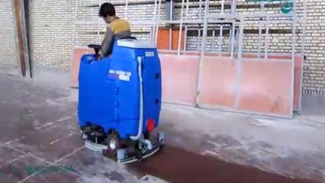 نظافت کف کارخانه و سالن تولید با اسکرابر  - Cleaning factory production line with scrubbers