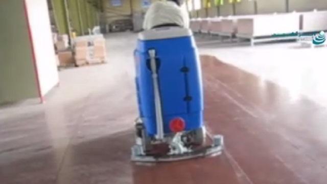 رفع آلودگی های عمیق کفپوش محیط های صنعتی بوسیله اسکرابر  - Decontamination of deep dirt of the floor of the industrial floor by scrubber