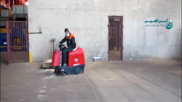 نقش موثر سوییپر در نظافت محیط  - Effective role of sweeper in cleaning the environment