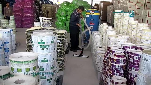 نظافت انبار چسب با استفاده از مکنده صنعتی  - Cleaning the glue warehouse using industrial suckers