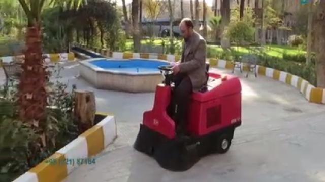 نظافت پارک و فضای سبز با سوییپر  - Cleaning parks and green spaces with sweeper