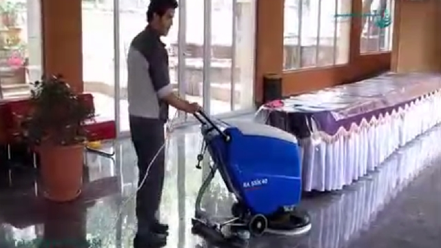 نظافت رستوران و تالار با اسکرابر  - Clean restaurant with scrubbers
