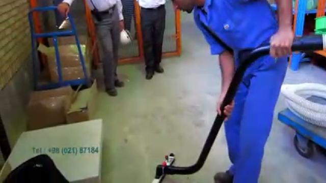 جمع آوری آلودگی های انبار با مکنده صنعتی  - Warehouse dust collection with industrial vacuum