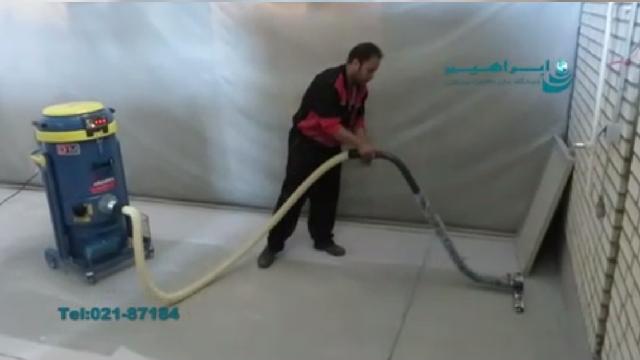 جمع آوری حرفه ای گرد و خاک با دستگاه مکنده  - Professional dust collection with industrial vacuum cleaner