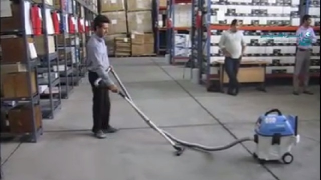 نظافت انبار کالا بوسیله جاروبرقی  - cleaning the warehouse by wet and dry vacuum cleaner