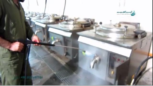 چرب زدایی از ابزار آلات پخت مواد غذایی با واترجت   - cleaning with waterjet