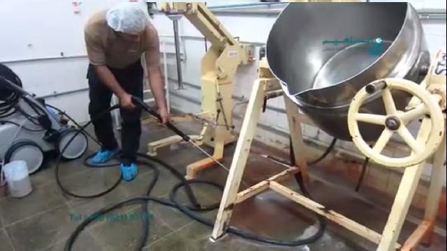 شستشوی تجهیزات و مخازن صنایع غذایی با واترجت  - Wash equipment and tanks of food industry with high pressure