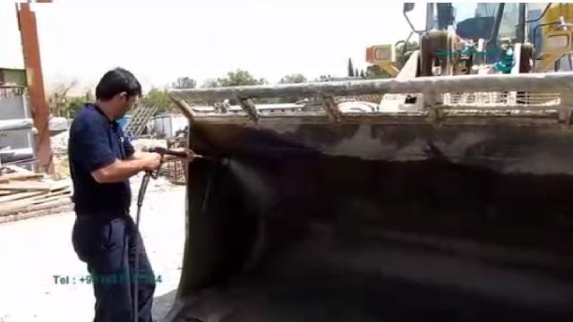شستشوی لودر با واترجت صنعتی  - loader cleaning with high pressure washer