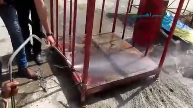 زنگ بری فلزات با سندبلاست  - removal rust with sandblasting