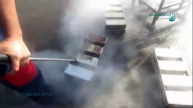 استفاده از واترجت در جرم زدایی قطعات صنعتی  - Use high pressure washer to decontaminate industrial parts