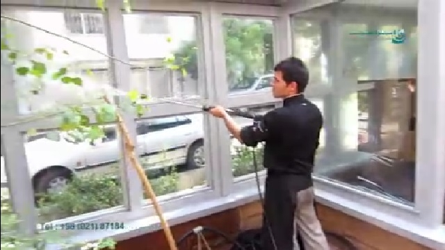 شستشوی نمای شیشه ایی با واترجت  - Wash Glass facade with high pressure washer