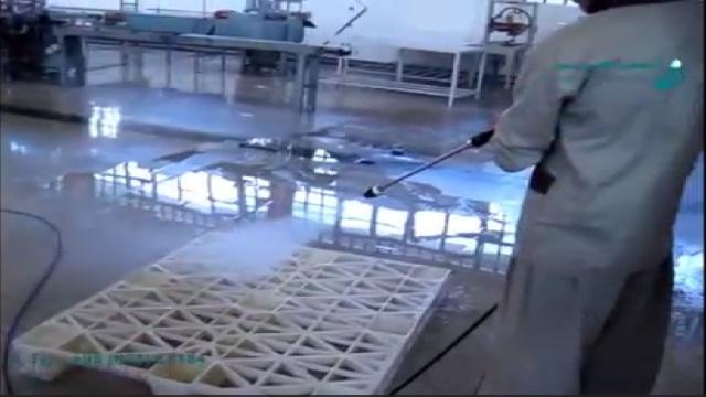 استفاده از واترجت صنعتی در نظافت محیط صنایع غذایی  -  using high pressure water for cleaning food industry environment area