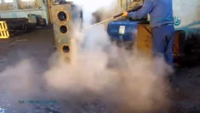 رفع آلودگی های عمیق از سطح فلزات با واترجت آب گرم  - removing deep dirt from the metal surfaces by hot water pressure washer