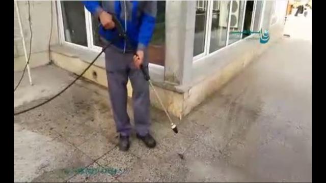 شستشوی سطح زمین بوسیله کارواش صنعتی  - washing the floor by pressure washer
