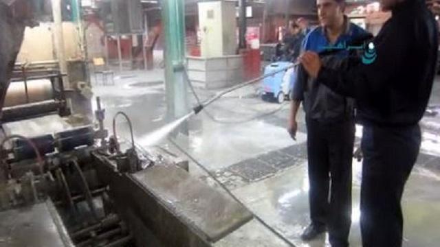 شستشوی تجهیزات روغنی کارخانه با واترجت  -  Washing Oil dirt by pressure cleaner