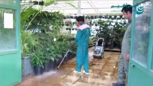 استفاده از واترجت برای شستشوی گلخانه  - water jet cleaning greenhouse
