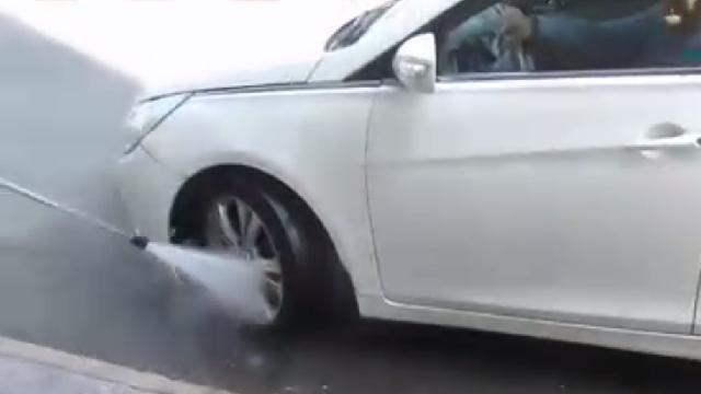 شستشوی اتومبیل با واترجت  - car washing by pressure cleaner