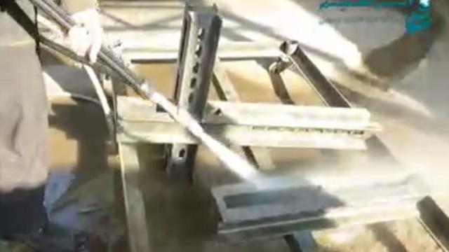 لایه برداری فلزات با سندبلاست  - Peeling-metals by pressure washer