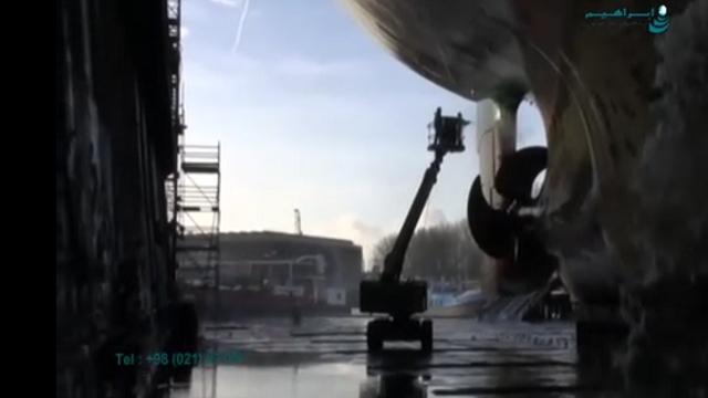 نظافت و خزه تراشی بدنه کشتی با واترجت فشار قوی  - Hull cleaning and masonry moss with water jet