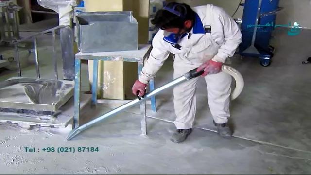 مکش گرد و غبار در کارخانه به کمک مکنده صنعتی  - Dust suction at the factory using industrial vacuum cleanert
