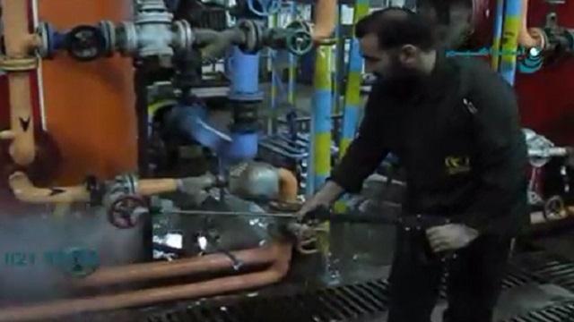 رسوب زدایی سیستم تاسیسات موتورخانه با واترجت صنعتی  - Dismantling and washing the system of engine room installations with industrial waterjet