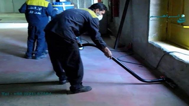 مکش زباله های درشت و گرد و غبار با مکنده صنعتی  - Sucking dust and dust with industrial vacuum cleaner