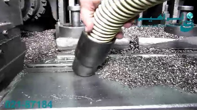 جاروبرقی صنعتی مورد استفاده در صنایع فلزکاری  - Industrial vacuum cleaner used in metalworking industry