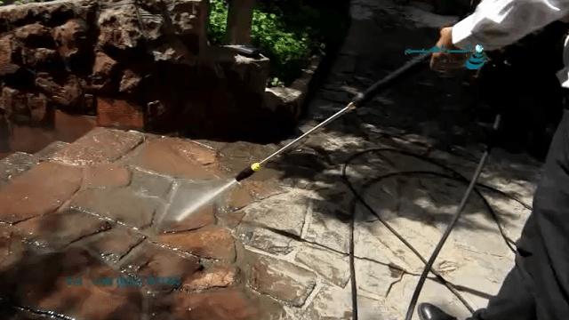 شست و شوی سنگ فرش با واترچت صنعتی   - removing filth from paving by pressure washer