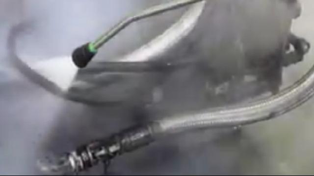 نظافت صنعتی با استفاده از واترجت آب گرم  - Industrial Cleaning by Hot Pressure Washer
