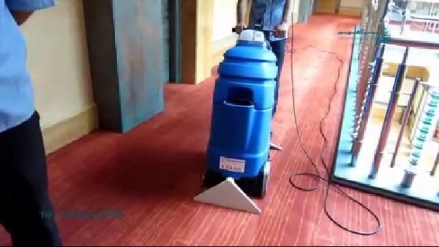 شستشوی موکت با موکت شوی صنعتی  - Wash Carpet by Carpet Cleaner