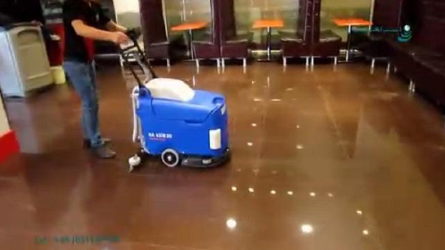 شستشوی کف پیتزا فروشی بوسیله دستگاه اسکرابر  - Floor cleaning pizzeria by scrubber drier
