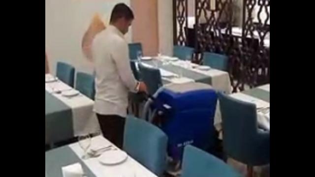 شستشو تالار بوسيله ى دستگاه اسكرابر  - Hall washing with scrubber