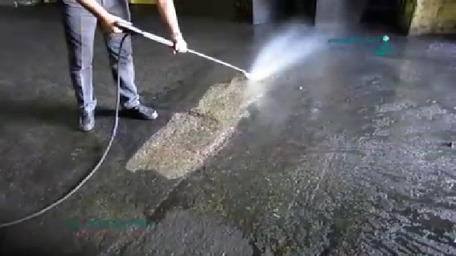 شستشوی سطوح کف با واترجت  - washing floor surfaces with high pressure washer