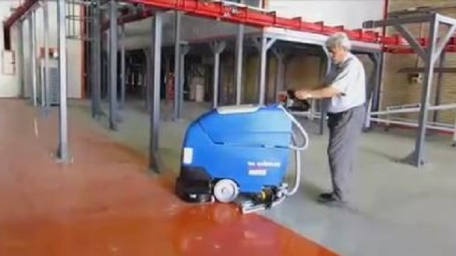 نظافت سالن های بزرگ کارخانه ها با اسکرابر  - Cleaning workshops