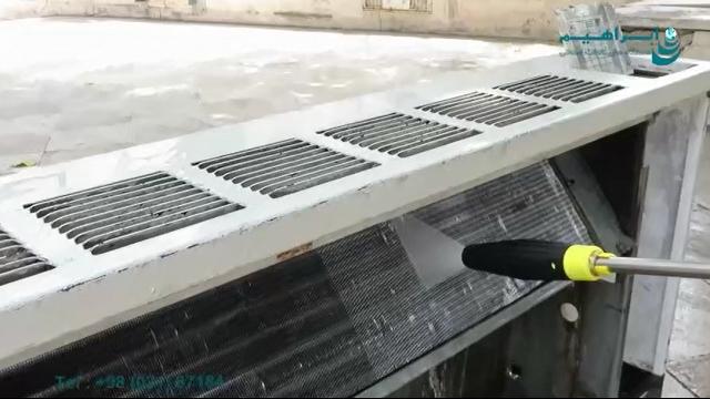 شستشوی قطعات و تجهیزات فلزی و سطوح بتنی با واترجت  - Wash metal parts and equipment and concrete surfaces with waterjet