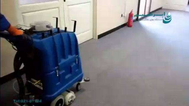 شستشوی موکت مراکز اداری با دستگاه فرش و موکت شوی  - use a carpet cleaner for office