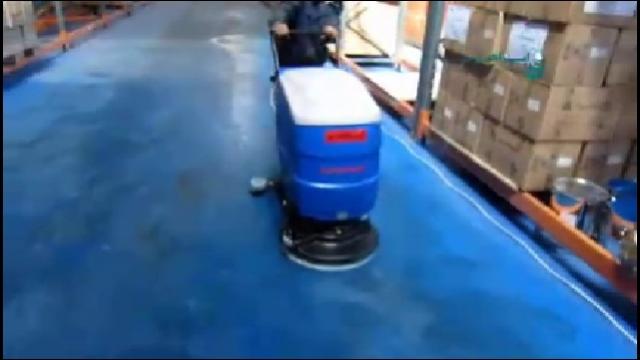 شستشوی کف سوله و انبار با اسکرابر  - Floor cleaning hangars and warehouses with scrubbers