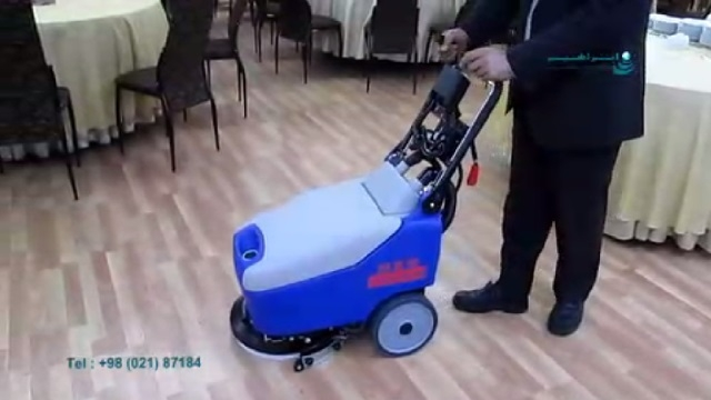 کاربرد اسکرابر دستی در شستشوی کف سالن غذاخوری  - Application of walk-behind scrubber on the floor of the dinning room