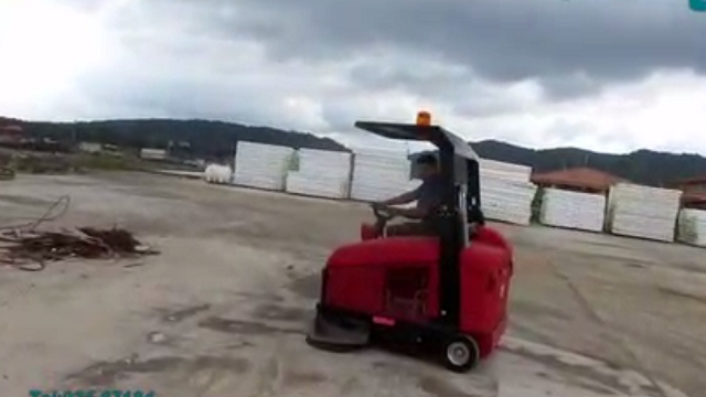 چگونگی نظافت و جاروب محوطه کارخانه ها با سوییپر  - How to clean the factory with sweeper