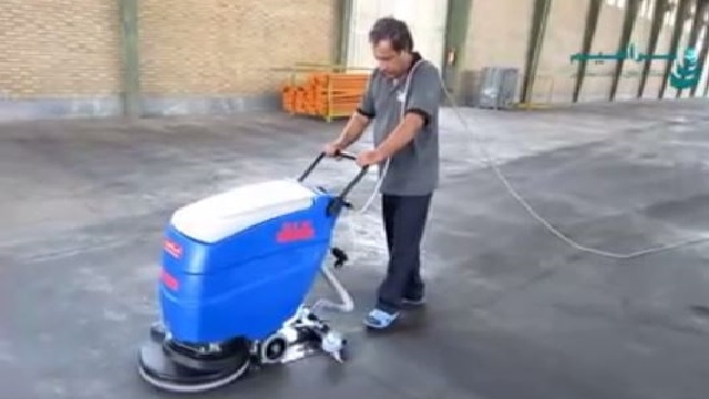 اسکرابر برقی و کاربرد آن در شستشوی کف سوله  - use a cable scrubber for warehouse
