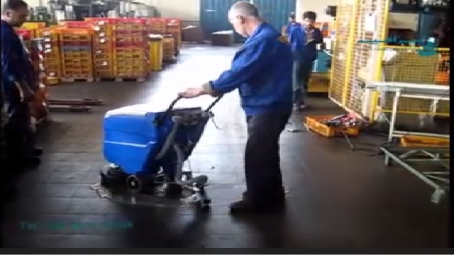 قدرت تمیز کنندگی اسکرابر کابلی و زمین شور صنعتی  -  high level cleaning of industrial plants surface with scrubber