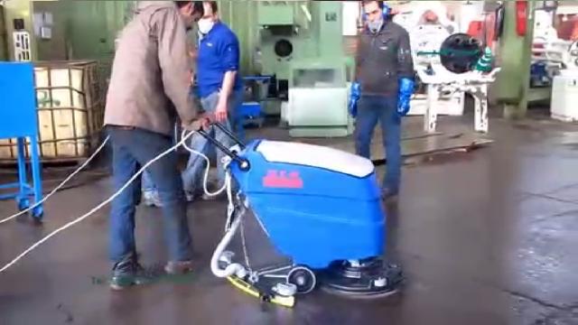 شستشویی موثر و کارآمد با اسکرابر کابلی  - Efficient cleaning with cable scrubber