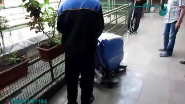 اسکرابر ابزاری مناسب برای شستشوی سطوح  - Scrubber is a usefol tool for cleaning surfaces