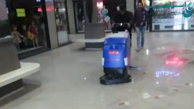 مزایای استفاده از اسکرابر دستی در کفشویی  - Advantages of walk behind scrubber floor cleaning