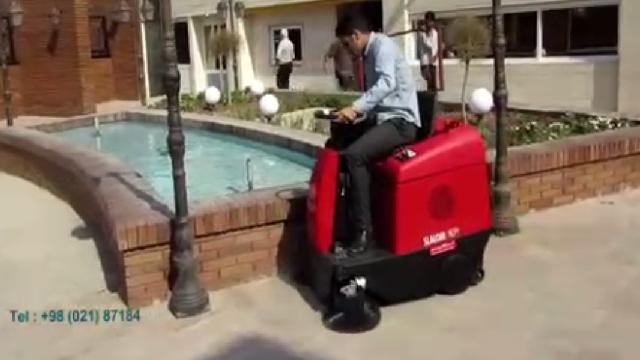 نظافت محیط های بیرونی با سوییپر  - Outdoors cleaning with industrial sweeper